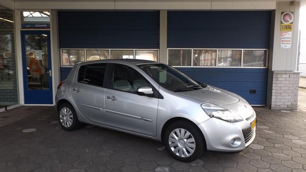 Renault-Clio-thumb